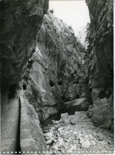 Gorges of Cares